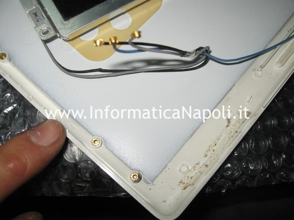 riparare scocca display 13 a1181 a1185