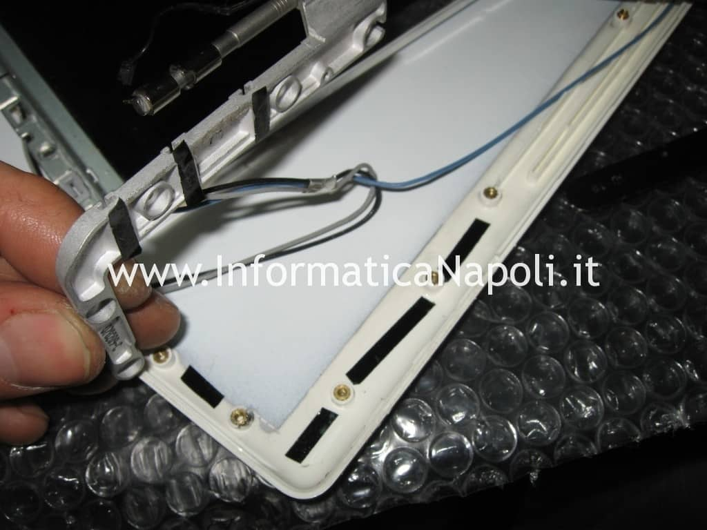 sostituzione display macbook 13 a1181 a1185