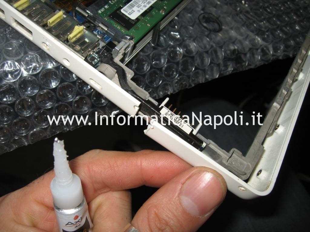 riparare top case apple macbook 13 a1181 a1185