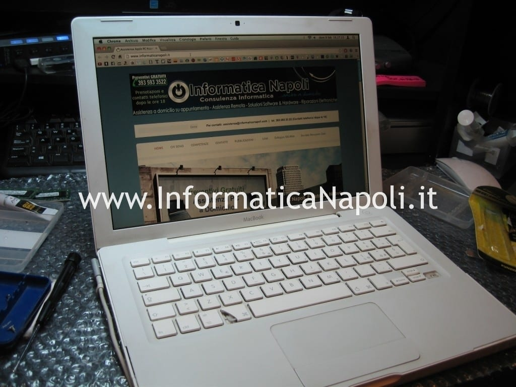 assistenza apple napoli macbook 13 a1181 a1185 funzionante riparato