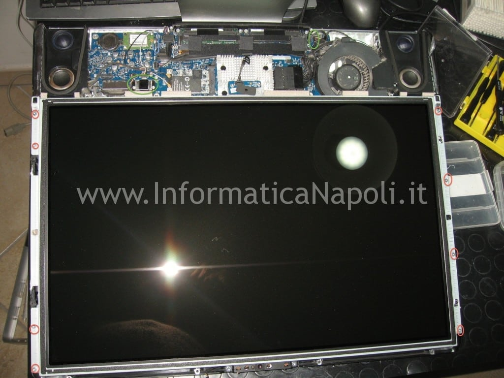 come smontare display apple A1224 da 20 pollici