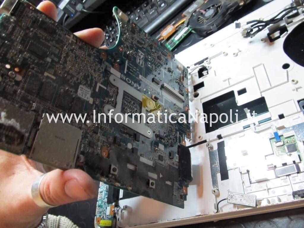 come risolvere problema Sony Vaio VPCEB1A4E PCG-71211M
