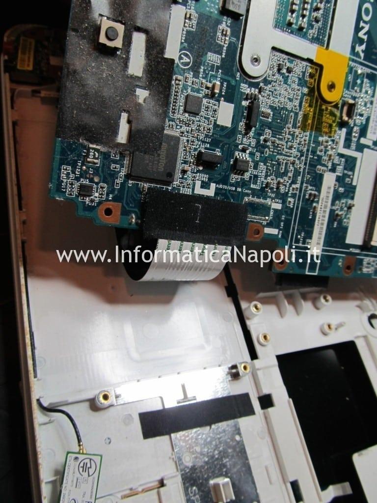 assistenza problema Sony Vaio VPCEB1A4E PCG-71211M