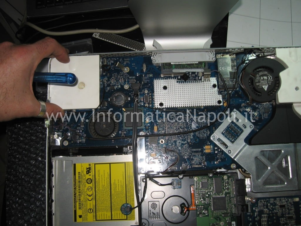 """assistenza riparazione scheda logica apple iMac 17"""" 2006 EMC 2114 vintage napoli"""