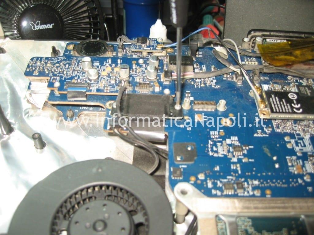 Apple A1225 24 pollici EMC 2134 non si accende