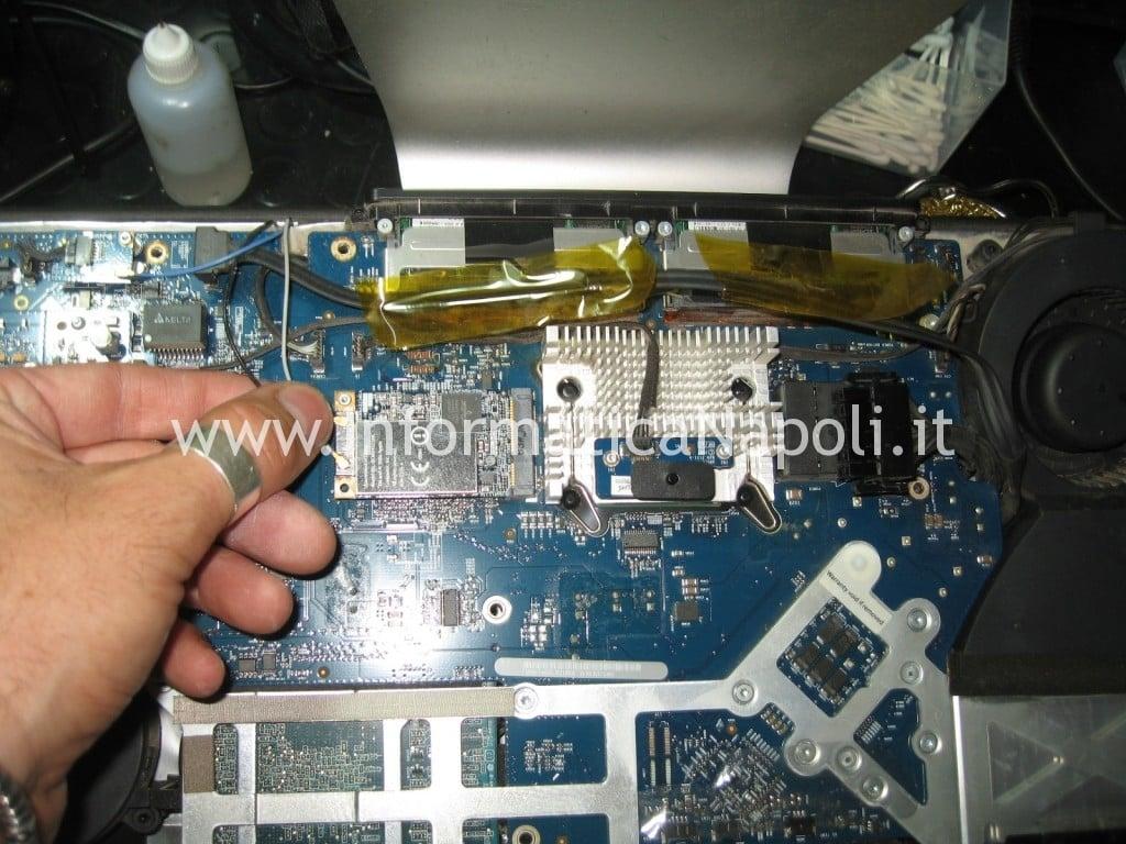 Apple A1225 24 pollici EMC 2134 non si avvia