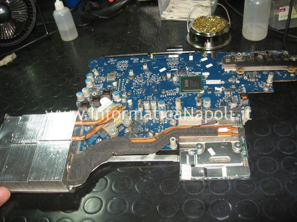 scheda video Apple A1225 24 pollici EMC 2134