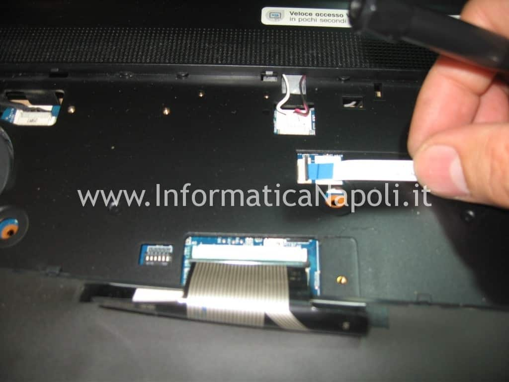 Aprire Sony VPCEB3L1E 71211M