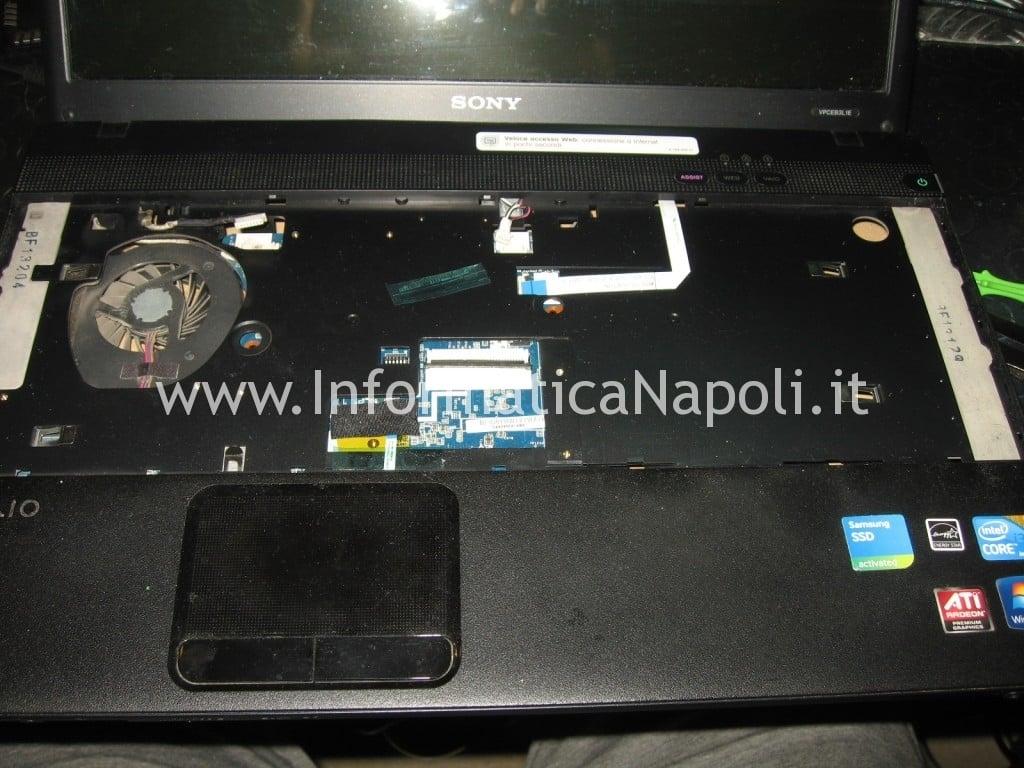 come aprire Sony VPCEB3L1E 71211M