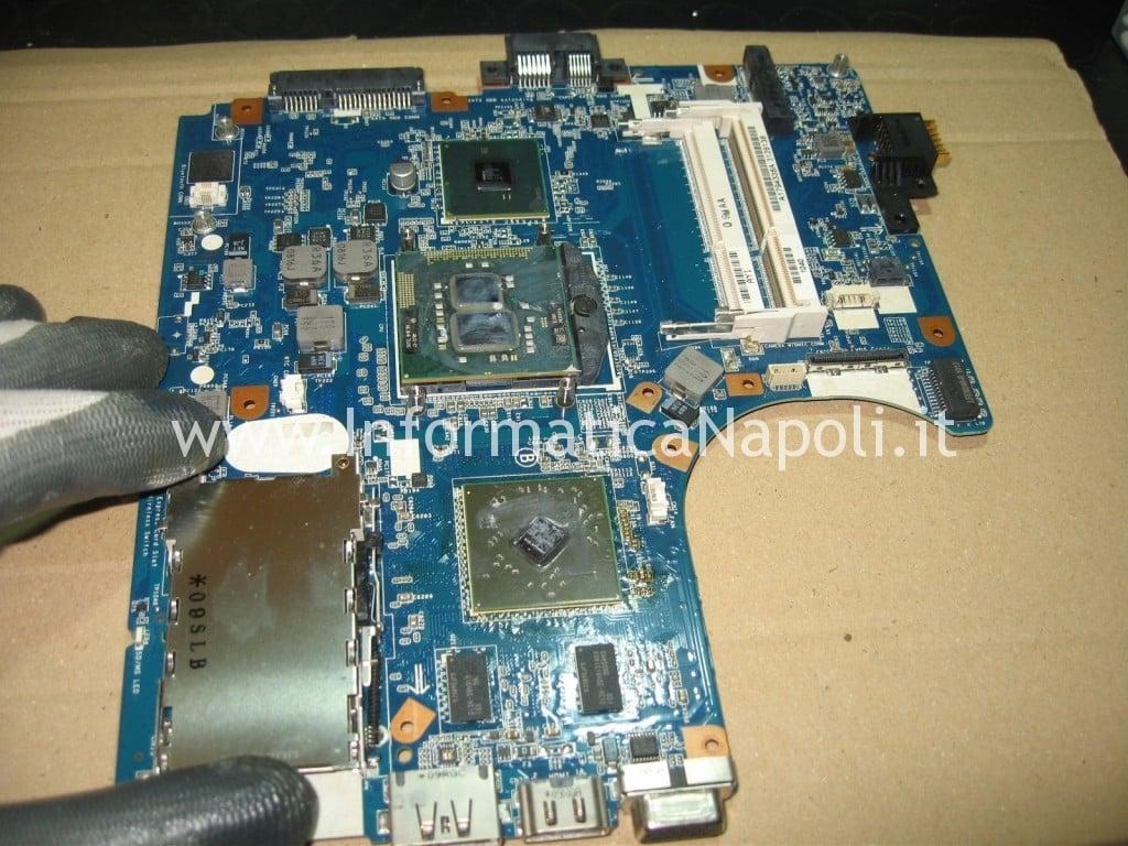 problema scheda madre Sony VPCEB3L1E 71211M non si accende
