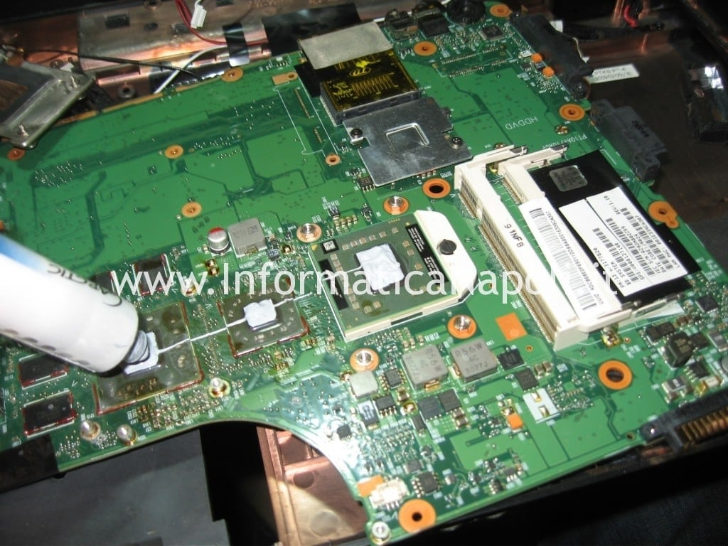 pulizia dissipatore pasta termica artic Toshiba Satellite A300D PSAHCE