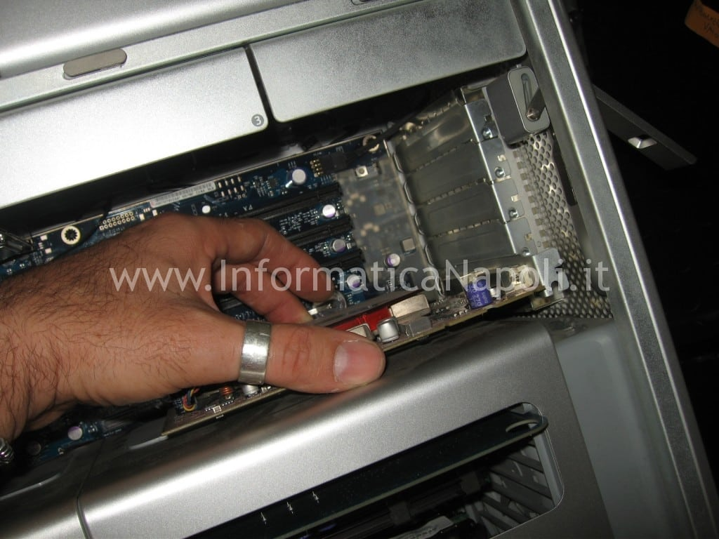 sostituire scheda video Apple Mac Pro A1186 EMC 2180 macpro