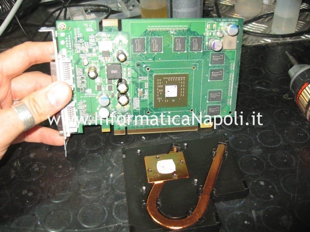 come riparare NVIDIA GeForce 7300 GT 256MB MacPro A1186 EMC 2113