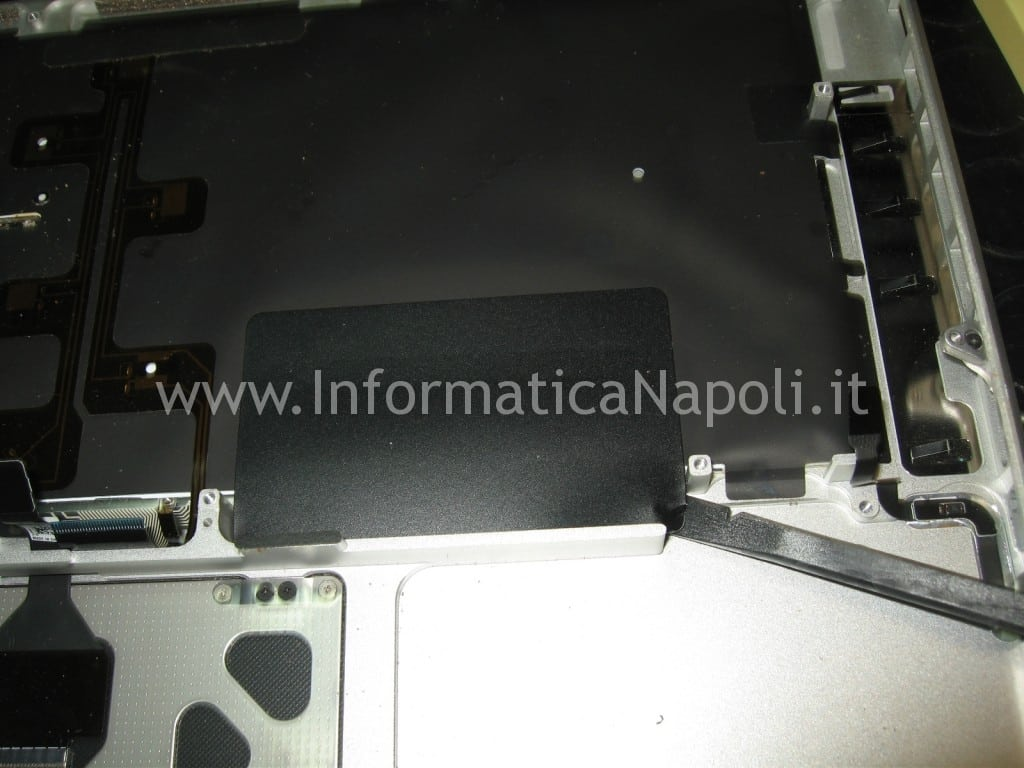 problema liquido tastiera apple macbook A1278