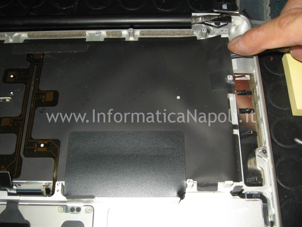 Assistenza riparazione apple macbook A1278
