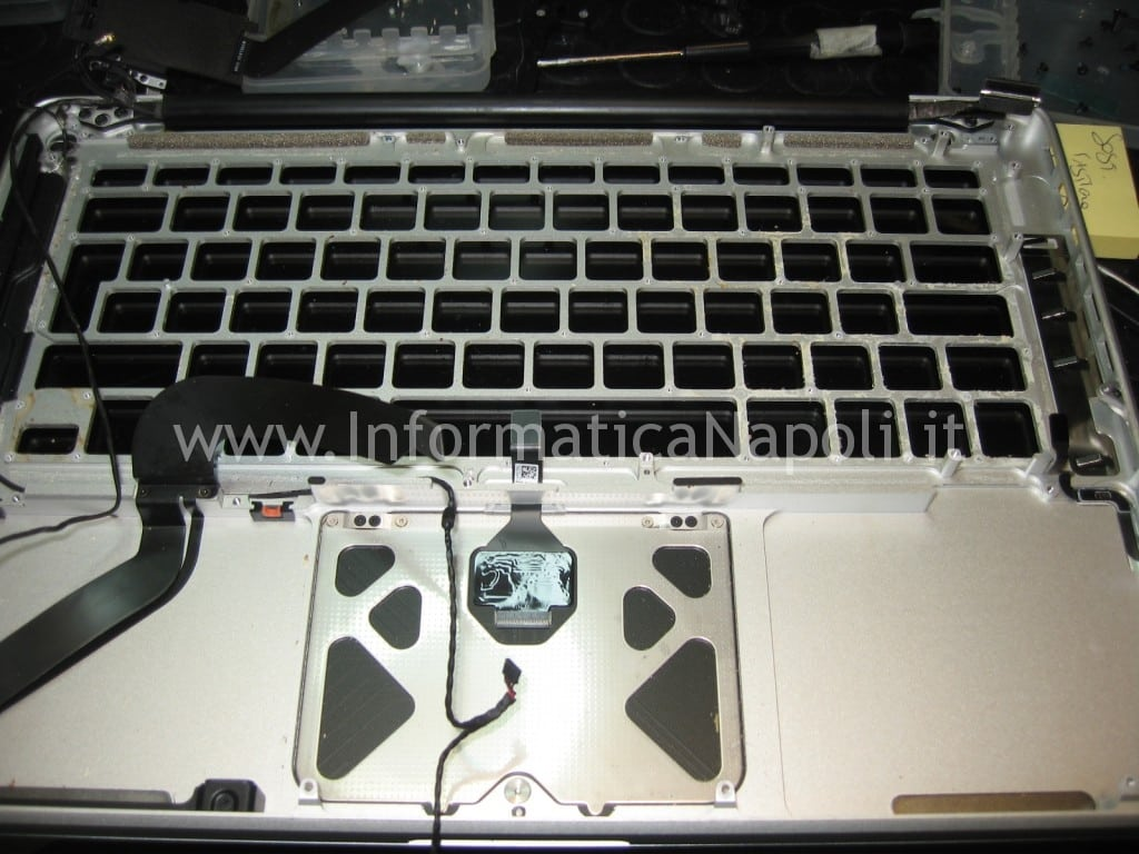 scocca top apple macbook 13