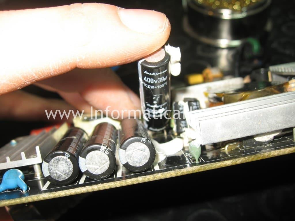 "sostituire condensatori Apple Cinema Display A1267 24"""