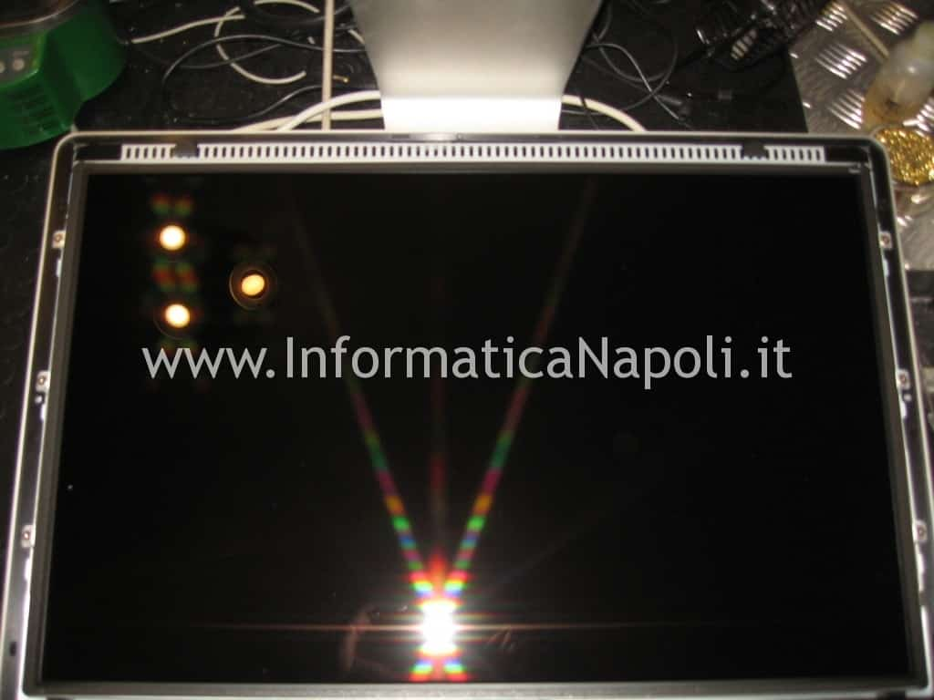 problemi accensione Apple Cinema Display LED A1267 EMC 2263 MB382LL/A 24 pollici schermo nero