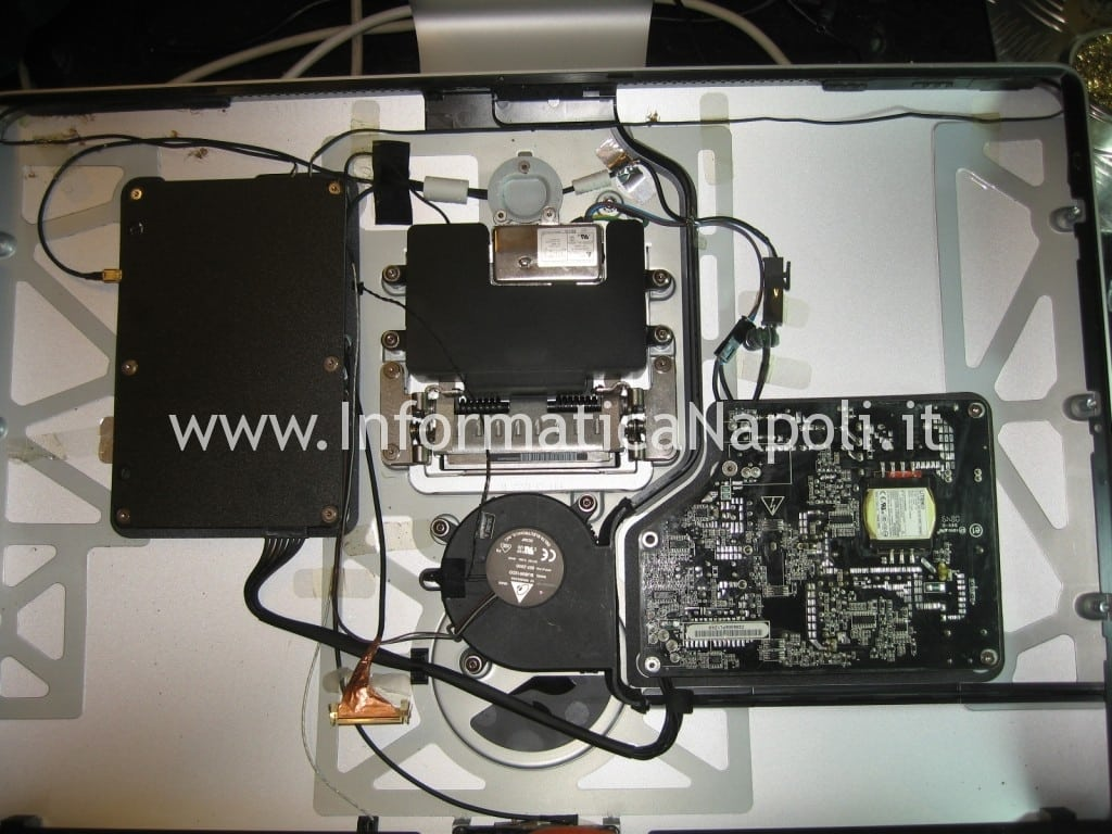 riparazione scheda logica Apple Cinema Display A1267 EMC 2263 MB382LL/A 24""