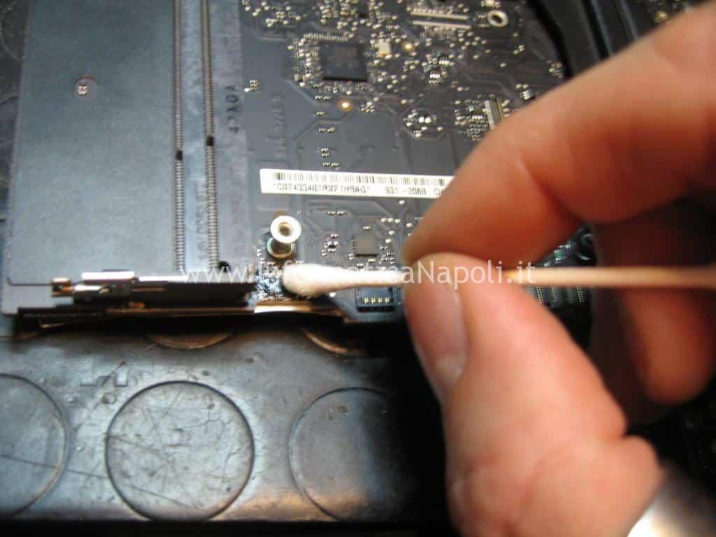 flussante riparazione apple mac mini A1347