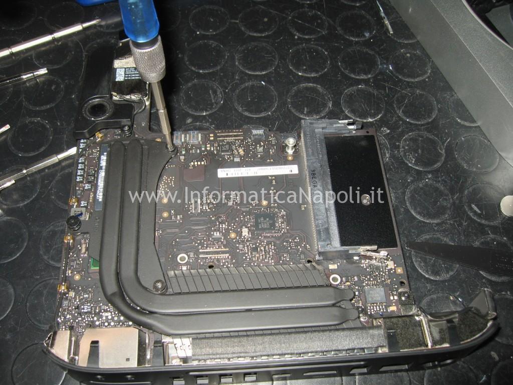 sostituzione pasta termica CPU GPU apple mac mini A1347 riparato