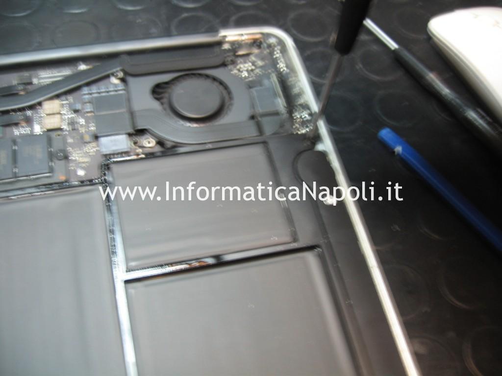 smontare scheda logica Apple MacBook AIR 11 A1465 EMC 2631