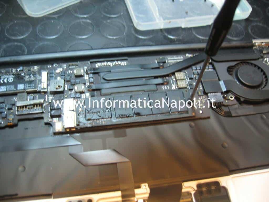 riparazione ssd hd Apple MacBook AIR 11 A1465 EMC 2631