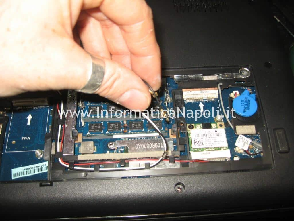 come riparare Dell Studio 17 1749 ATI radeon 4650
