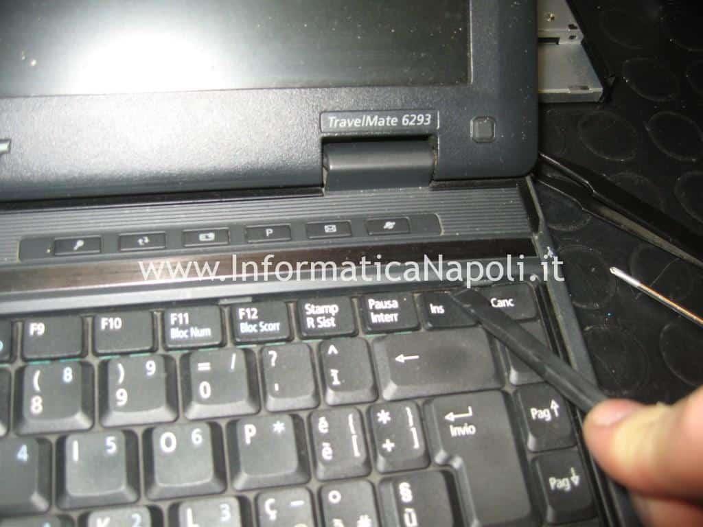 smontare tastiera Acer TravelMate 6293 LG1
