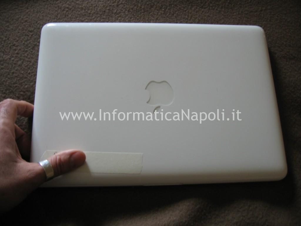 Apple MacBook A1342 EMC 2350 Late 2009 non si avvia