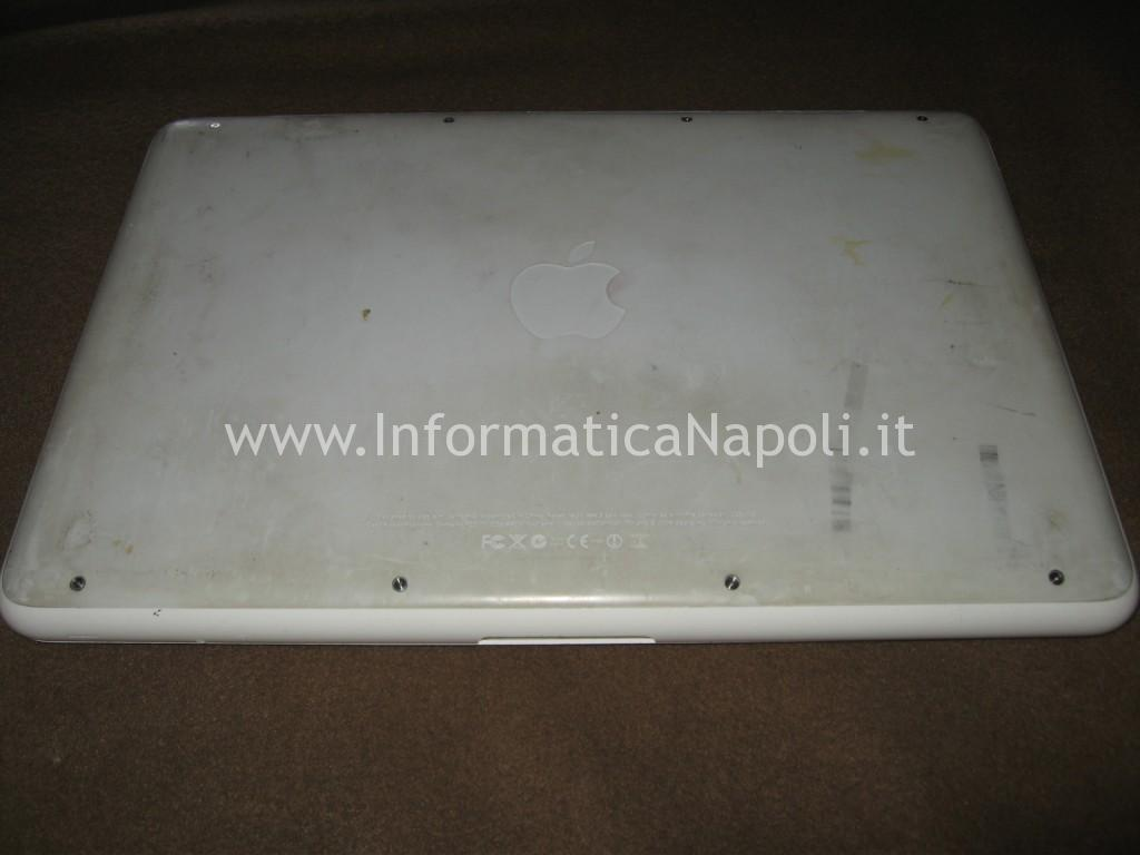 problemi Apple MacBook A1342 EMC 2350 Late 2009