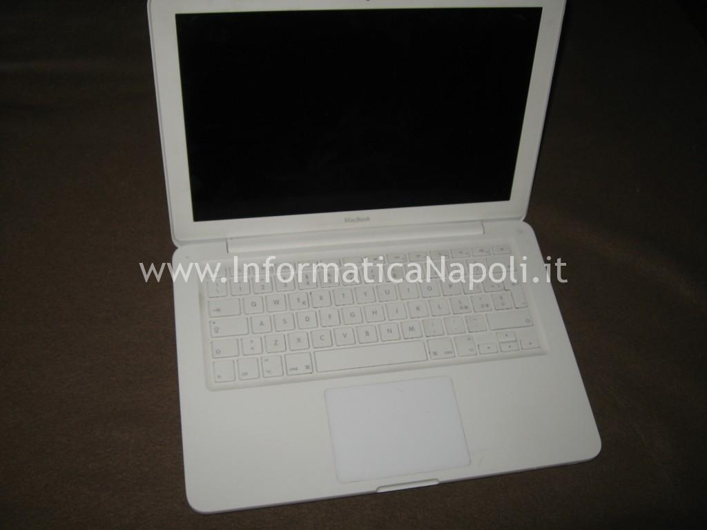 problemi accensione Apple MacBook A1342 EMC 2350