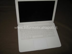 problemi accensione Apple MacBook A1342 EMC 2350