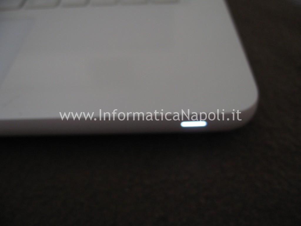 Led acceso Apple MacBook A1342 EMC 2350 Late 2009