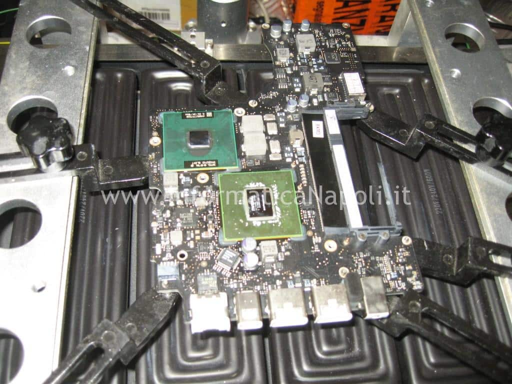 reballing chip video Apple MacBook A1342 13.3 EMC 2350
