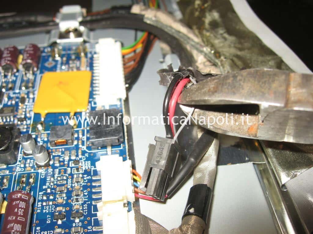 riparazione Apple Cinema HD Display 13 A1082