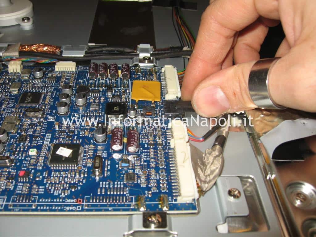 Apple Cinema HD Display 13 A1082 riparato