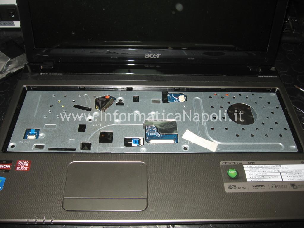 scocca top Acer aspire 5560