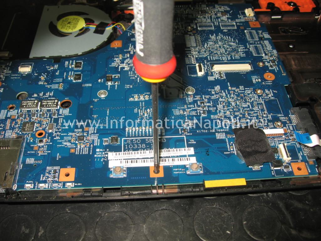 riparare scheda madre Acer aspire 5560