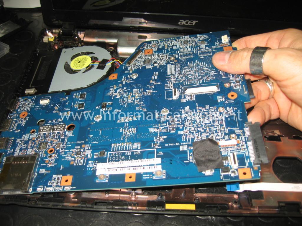 rimozione scheda madre Acer 5560