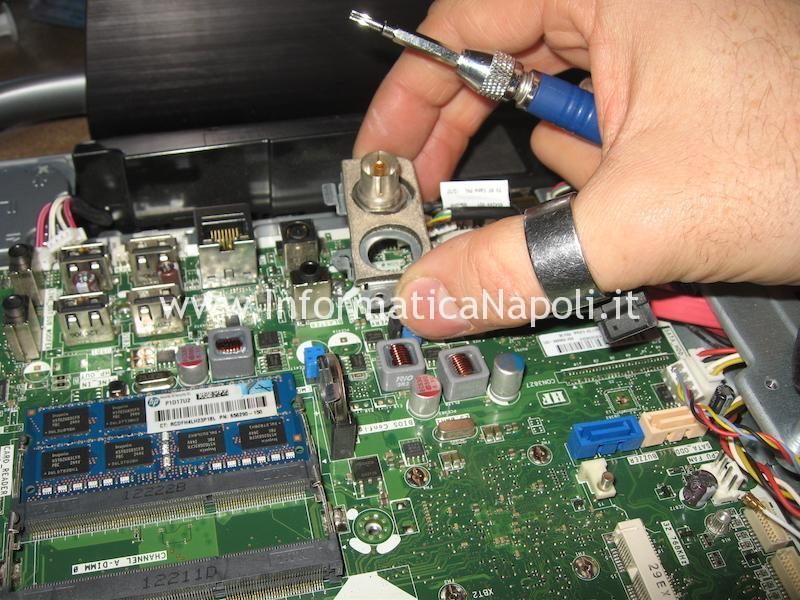 smontare motherboard HP ENVY 23 TouchSmart