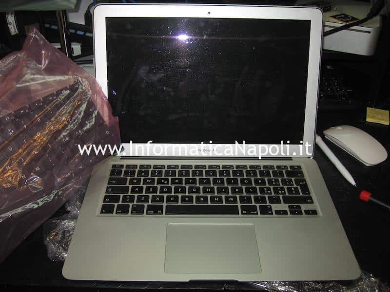 sostituire tastiera Apple MacBook Air 13 A1369 EMC 2469