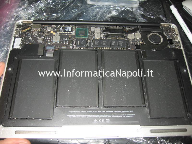 aprire Apple MacBook Air 13 A1466 EMC 2469