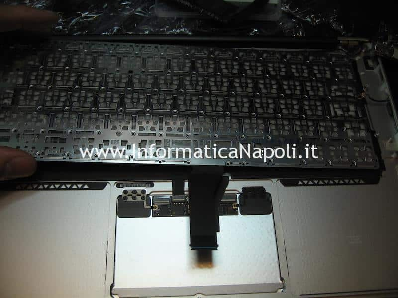 confronto tastiera nuova Apple MacBook air 13 A1466