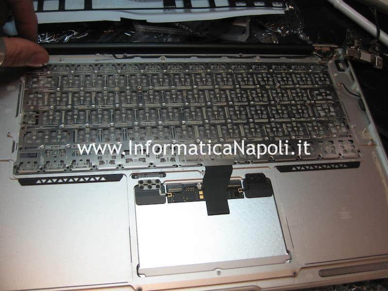 dove sostituire tastiera Apple MacBook air 13 A1466