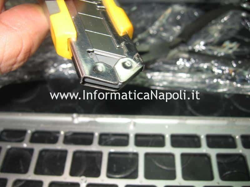 problema rivetti tastiera Apple MacBook air 13 A1369