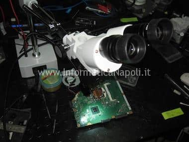 microscopio riparazione scheda logica imac