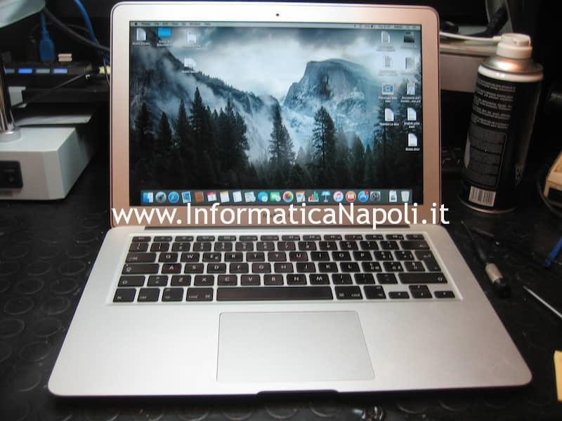 apple macbook Air 13 A1369 EMC 2469 si accende