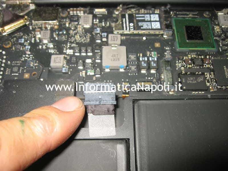 assistenza Apple MacBook Air 13 A1369 EMC 2469 metà 2011