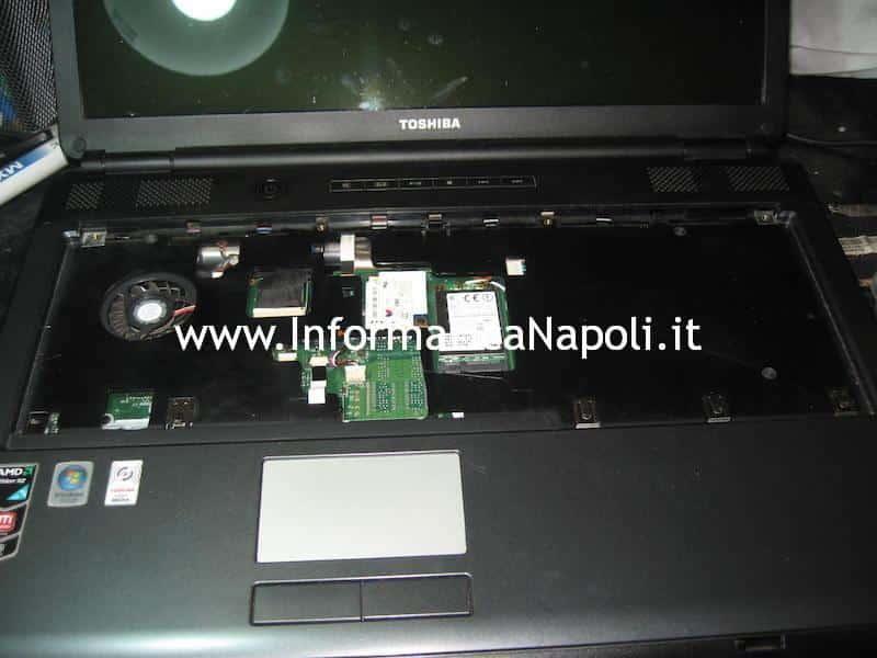 riparazione scheda madre Toshiba Satellite L350D - 12G PSLE8E